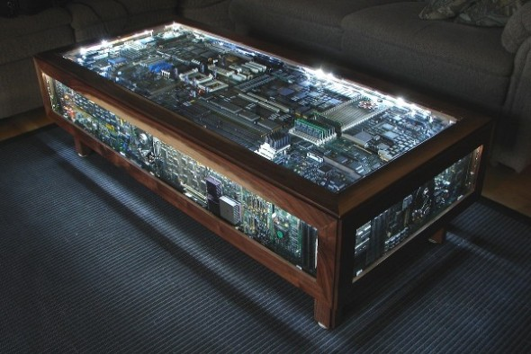 recycled-macintosh-ii-couch